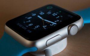 watch-756487_640